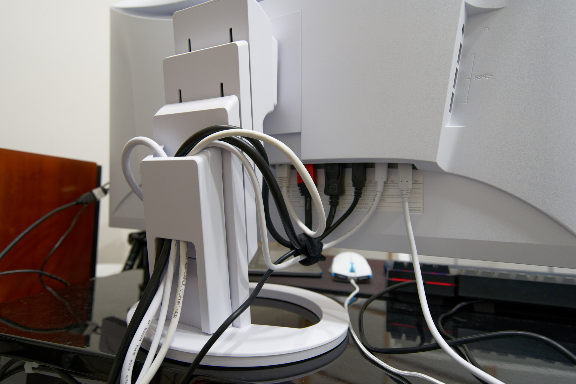 Neat Cable Management 1